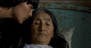 magaly-solier-e-anita-chaquiri-nel-film-the-milk-of-sorrow-la-teta-asustada-103812