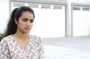 summer-bishil-in-una-scena-di-towelhead